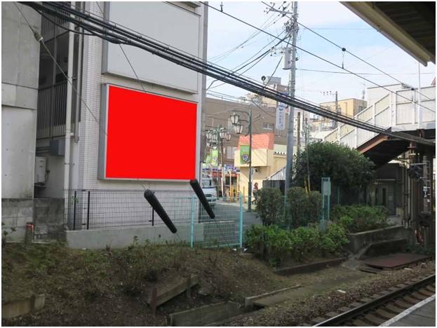 東松原駅ホーム前 クラーシュ東松原